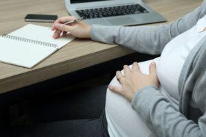 Utrata pracy będąc w ciąży